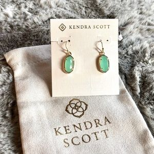 KENDRA SCOTT • Lee Chalcedony Drop Earrings